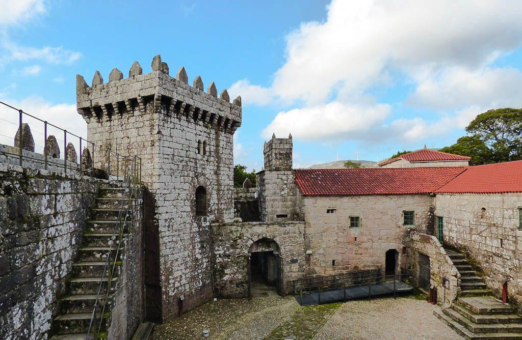 interior castillo de vimianzo