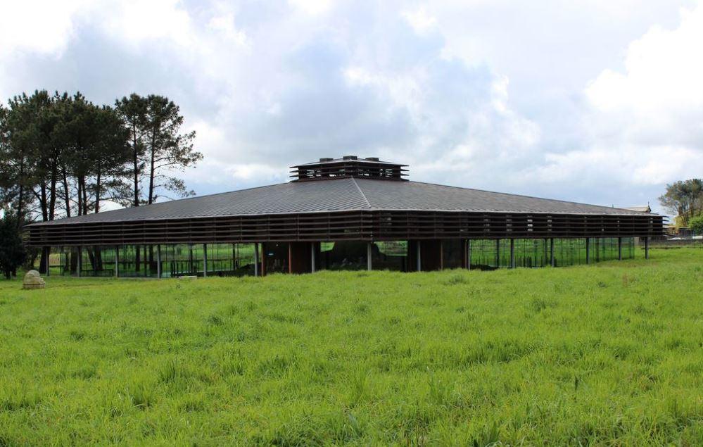 Exterior del Dolmen de Dombate. Imagen Marta Arias López